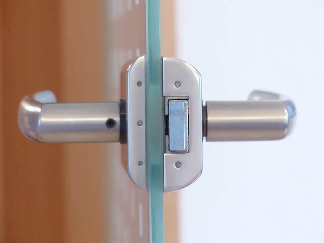 דלתות זכוכית למשרדים